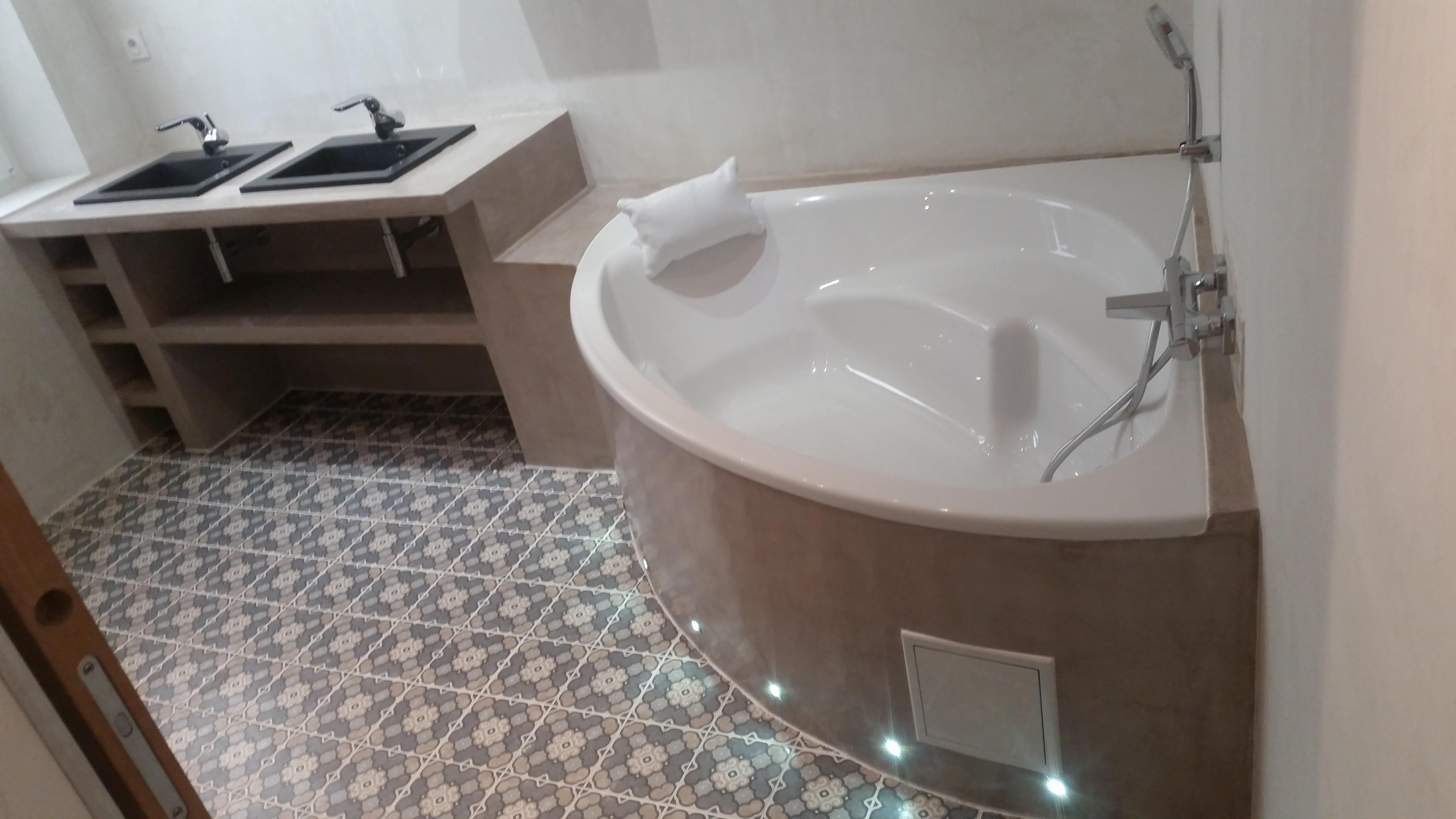 salle de bain faience emaux carrelage mtr maconnerie arles
